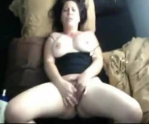 Voluptuous amateur slut takes a fist anally