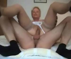 This mature slut has a horny pussy