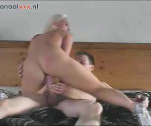 He sprays the pussy of the blonde filled whiteh sperm